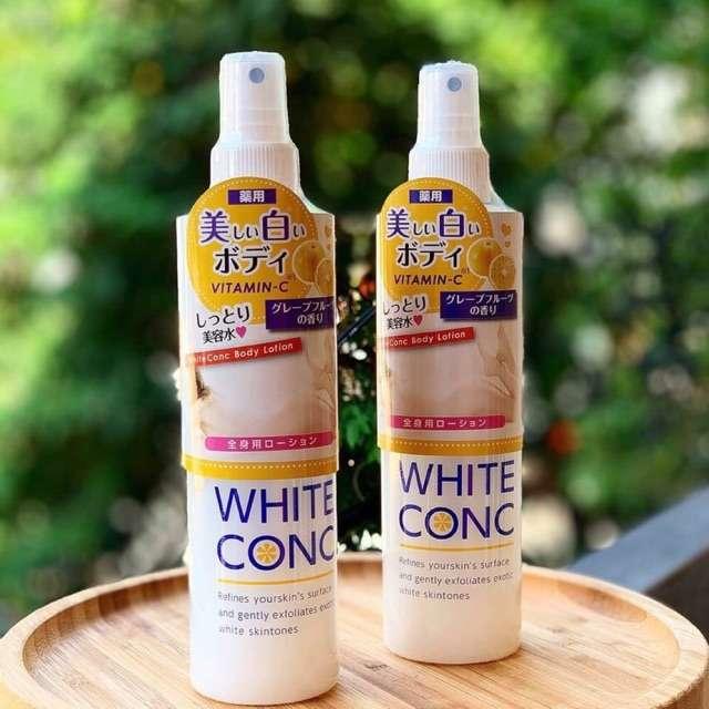 Lotion xịt dưỡng da White Conc chứa hàm lượng vitamin C cao và các khoáng chất có tác dụng giữ ẩm và dưỡng trắng da